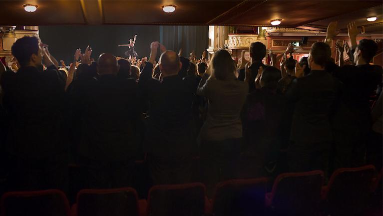 钢琴的观众