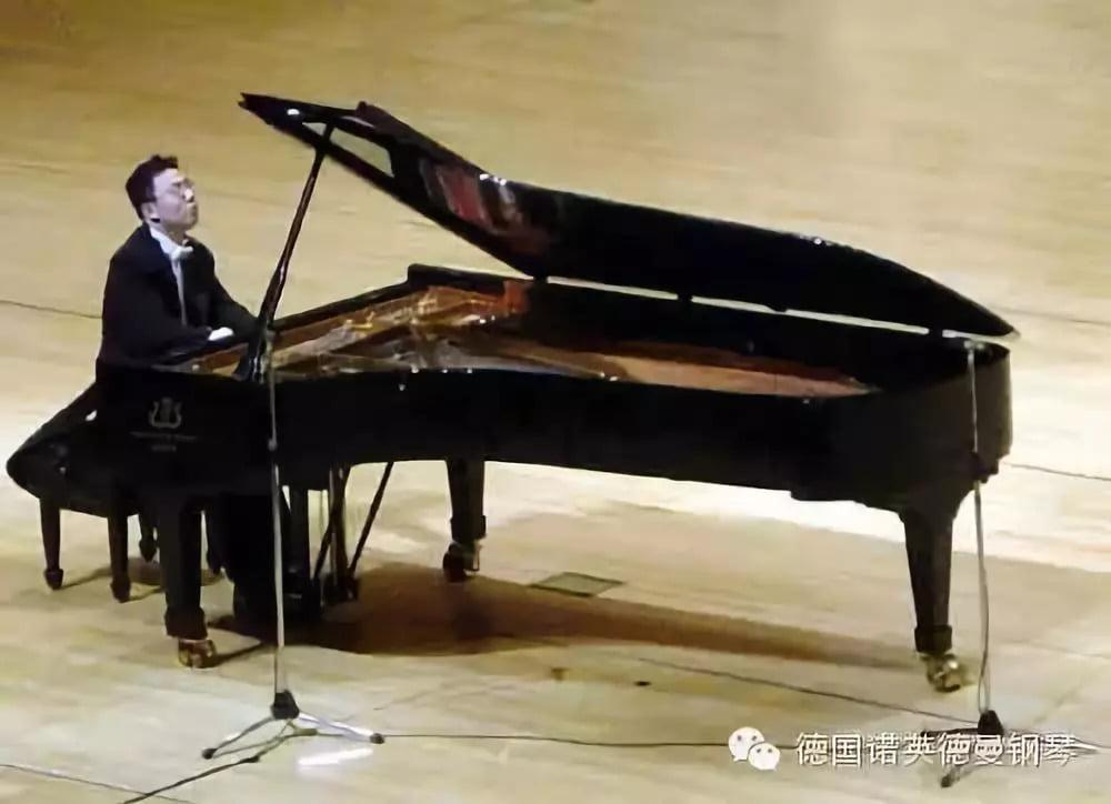 国际顶级钢琴大师 秦川