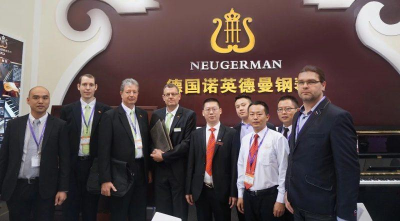 2019广州乐器展知名供应商到诺英德曼钢琴展会场