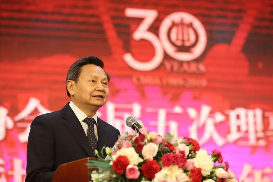中国轻工业联合会党委书记、会长张崇
