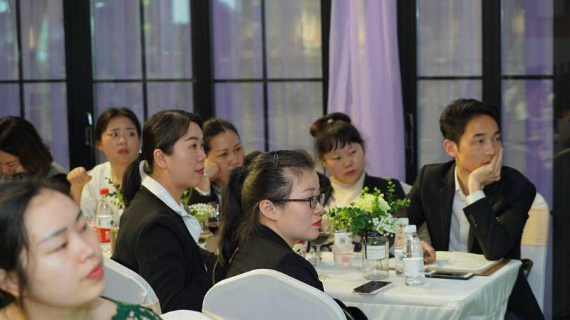 诺英德曼钢琴在湖南举办琴行联合发展交流会